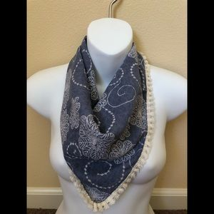 Other - Francesca's embroidered square scarf